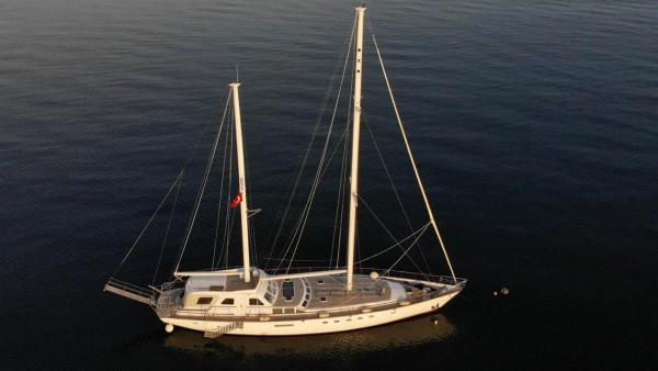 Eloa Yacht à voile