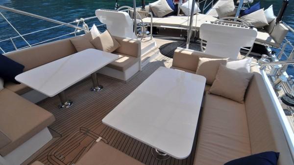 Yacht à voile Ubi Bene