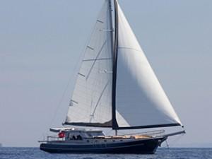 Azra Can Goélette Yacht