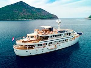 Donna Del Mare Yacht À Moteur