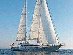 Glorious Yacht à voile