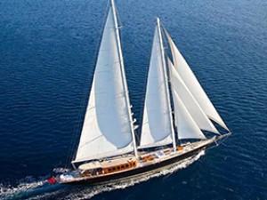 Regina Yacht à voile