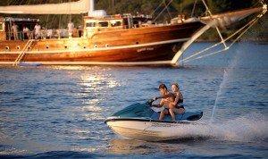 Sports nautiques sur les yachts