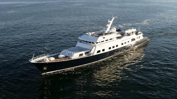 Yacht à moteur Aga 6