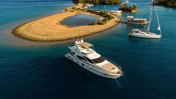 Yacht à moteur Bormus 1