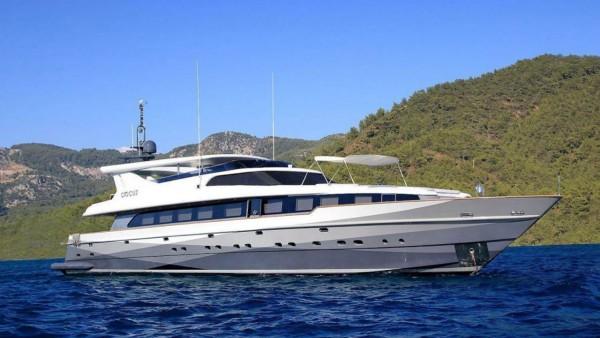 Crocus Yacht à moteur