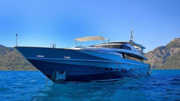 Yacht à moteur Crocus