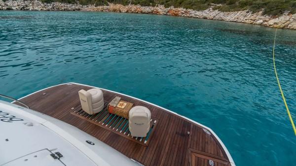 Yacht à moteur Edition