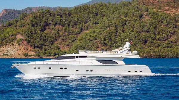 El Paradiso Yacht à moteur