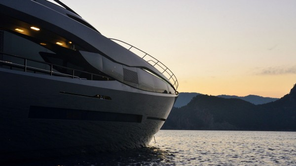Yacht à moteur FX 38