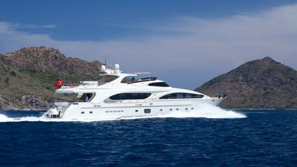 Yacht à moteur Merve