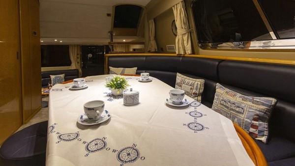 Yacht à moteur New Dawn