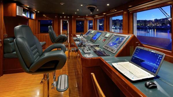 Yacht à moteur Oceanos