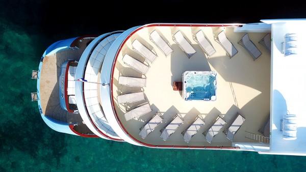 Yacht à moteur Ohana