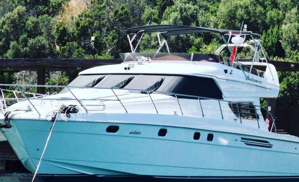 Yacht à moteur Queen of Angel