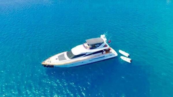 Ser 1 Yacht à moteur