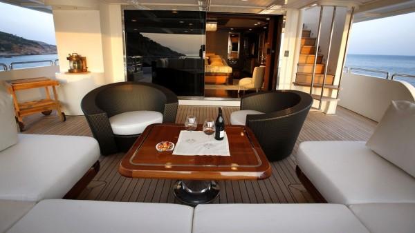 Yacht à moteur Serenity II