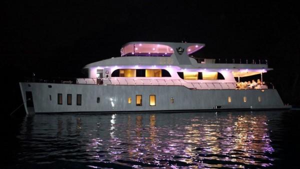 Simay F Yacht à moteur