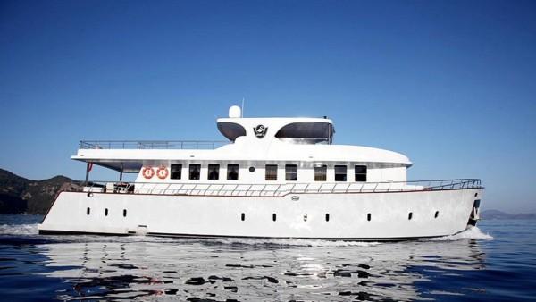 Simay S Yacht à moteur