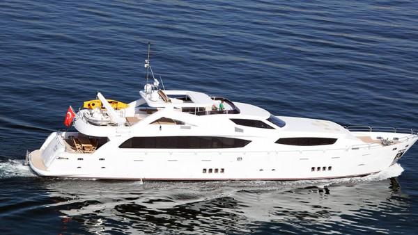 Smyrna Yacht à moteur