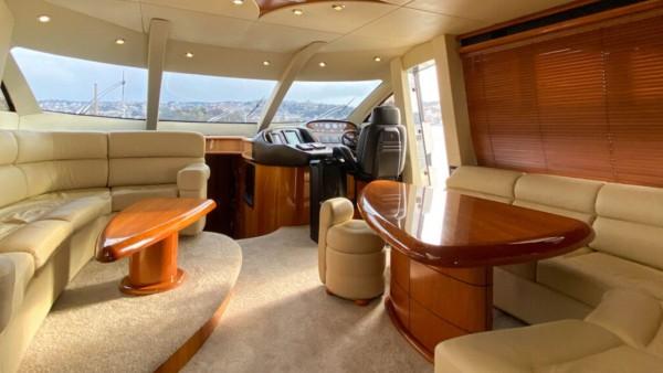 Yacht à moteur Torini