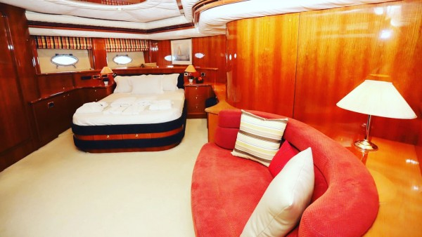 Yacht à moteur Vogue